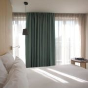hotel-citizen-bedroom-curtain